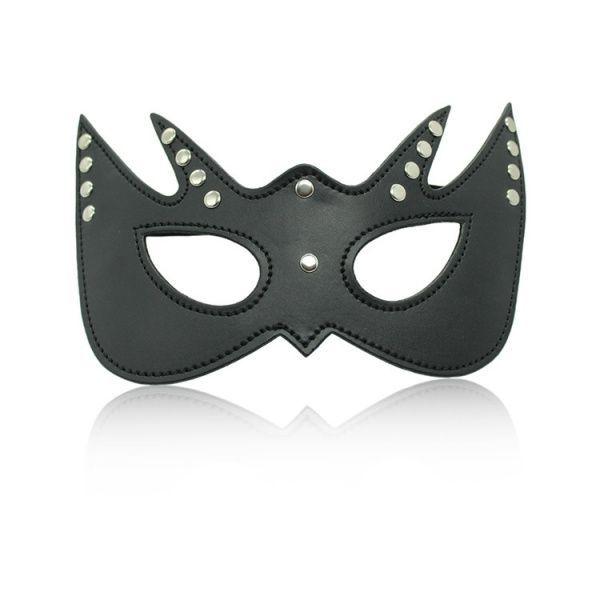 Элегантная маска с прорезями для глаз