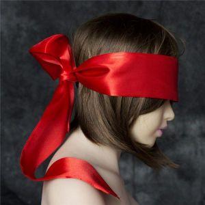 Широкая красная атласная лента на глаза в виде маски