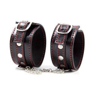 Широкие черные наручники с красными ободками