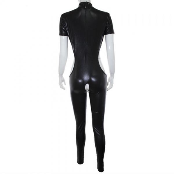 Черный латексный костюм