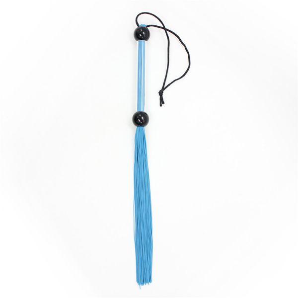 Небольшая резиновая плеть голубая