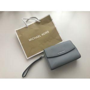 РАСПРОДАЖА! Сумка клатч Michael Kors Pale Blue - Брендовая одежда