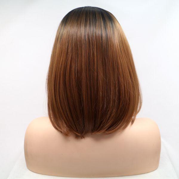 Реалистичный парик на сетке коричневое асиммeтричное каре с черными корнями