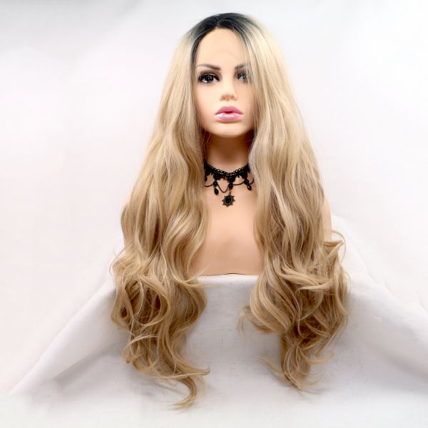 Длинный волнистый парик на сетке натуральный блонд омбре с черными корнями