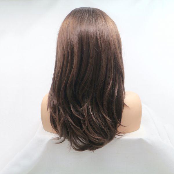 Каштановый парик средней длинны с легкой волной